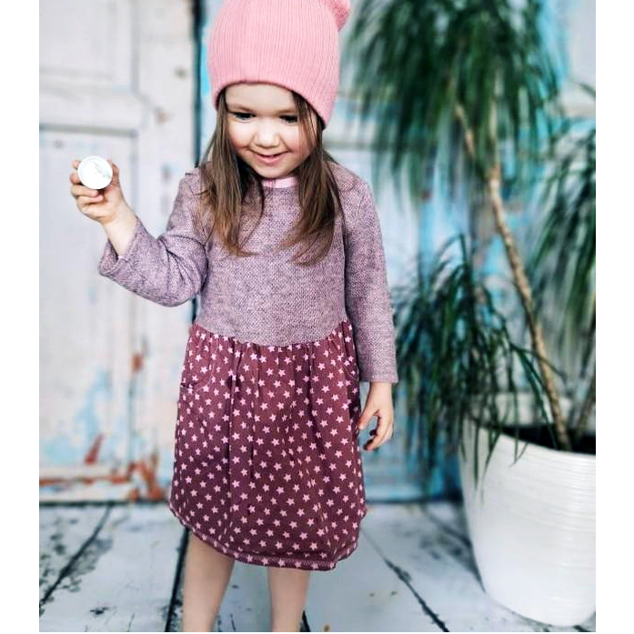 Primrose ist ein handgenähtes Mädchenkleid, mit langem Ärmel